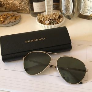 Burberry aviators!